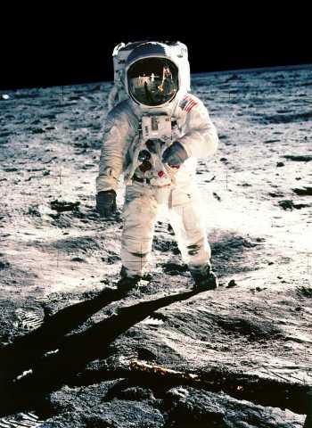 Aldrin sobre la Luna